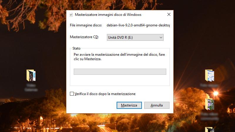Masterizzazione della ISO di Debian con l'utility di Windows 10